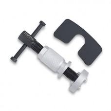 Инструмент за прибиране на спирачни апарати